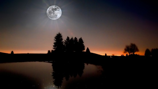 moon_light-1600x900
