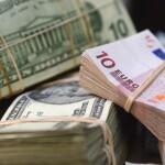 des-billets-d-euros-et-de-dollars-608793