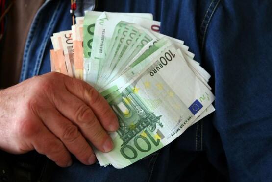 ob_023d56_ob-269b9a-euros-et-evasion-fiscale-son