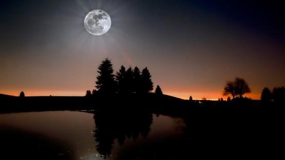 moon_light-1600x900